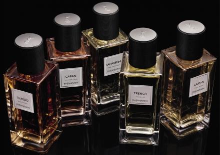 Comment les parfums Yves Saint Laurent ont-ils réussi à envoûter le public féminin ?