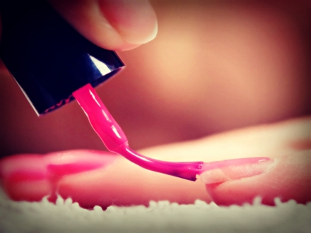 Le modelage avec gel pour des ongles naturels
